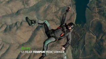 Tempur-Pedic July 4th Savings Event TV Spot, 'Breeze' - Thumbnail 3