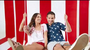 Old Navy Oferta del 4 de Julio TV Spot, 'Hola, Estados Unidos' [Spanish] - Thumbnail 3