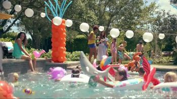 Party City TV Spot, 'Turn Up the Mischief' Song by Kester Waters - Thumbnail 4