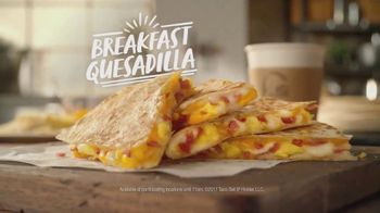 Taco Bell Breakfast Quesadilla TV Spot, 'Preparation' - Thumbnail 6