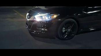 2017 Nissan Maxima Midnight Edition TV Spot, 'Curb Appeal' [T1] - Thumbnail 8