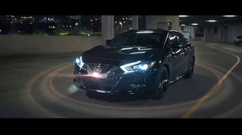 2017 Nissan Maxima Midnight Edition TV Spot, 'Curb Appeal' [T1] - Thumbnail 9