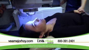 The LASIK Vision Institute TV Spot, 'Tenemos la solución' [Spanish] - Thumbnail 9