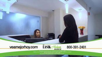 The LASIK Vision Institute TV Spot, 'Tenemos la solución' [Spanish] - Thumbnail 4
