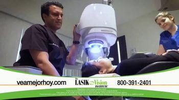 The LASIK Vision Institute TV Spot, 'Tenemos la solución' [Spanish] - Thumbnail 6