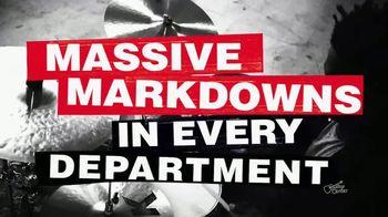 Guitar Center 4th of July Savings TV Spot, 'Massive Markdowns' - Thumbnail 4