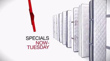 Macy's July 4th Mattress Sale TV Spot, 'Lowest Prices: Mattresses' - Thumbnail 5