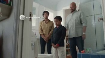 GE Appliances TV Spot, 'Fish Funeral: Save Up to 40%' - Thumbnail 1