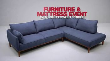 Macy's Lowest Prices of the Season TV Spot, 'Jewelry, Towels and Furniture' - Thumbnail 8