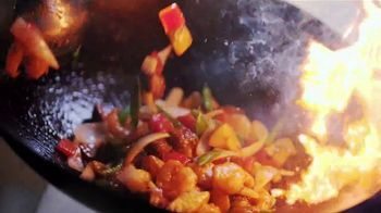 Panda Express Wok-Seared Steak & Shrimp TV Spot, 'The Finer Things' - Thumbnail 9