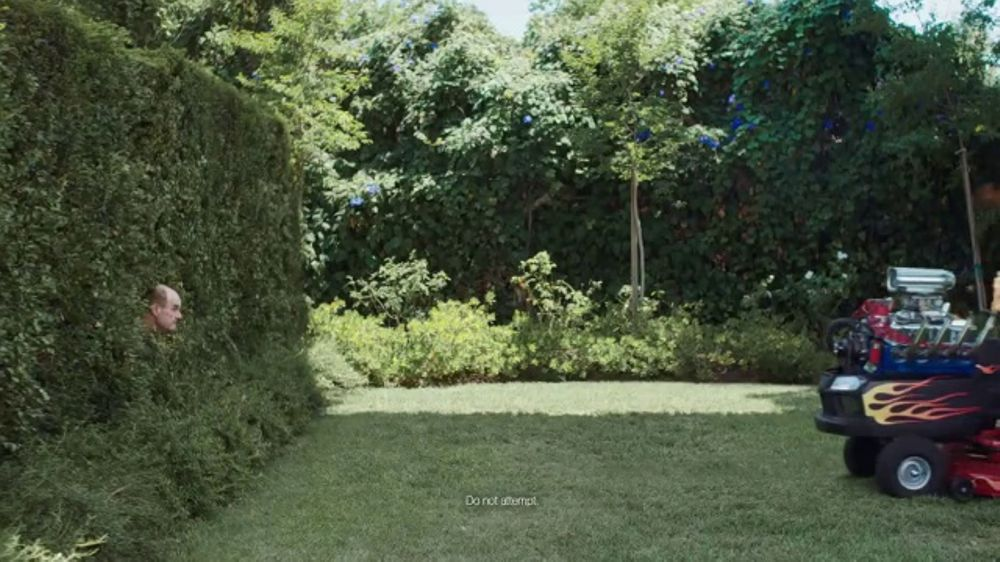GEICO TV Commercial, 'Extreme Landscaping'