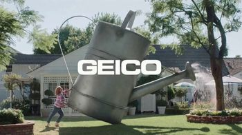 GEICO TV Spot, 'Extreme Landscaping' - Thumbnail 10