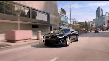 2018 Chevrolet Silverado 1500 TV Spot, 'Auto Show Cash' [T2] - Thumbnail 5
