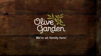 Olive Garden Big Italian Classics TV Spot, 'Biggest News Ever' - Thumbnail 9