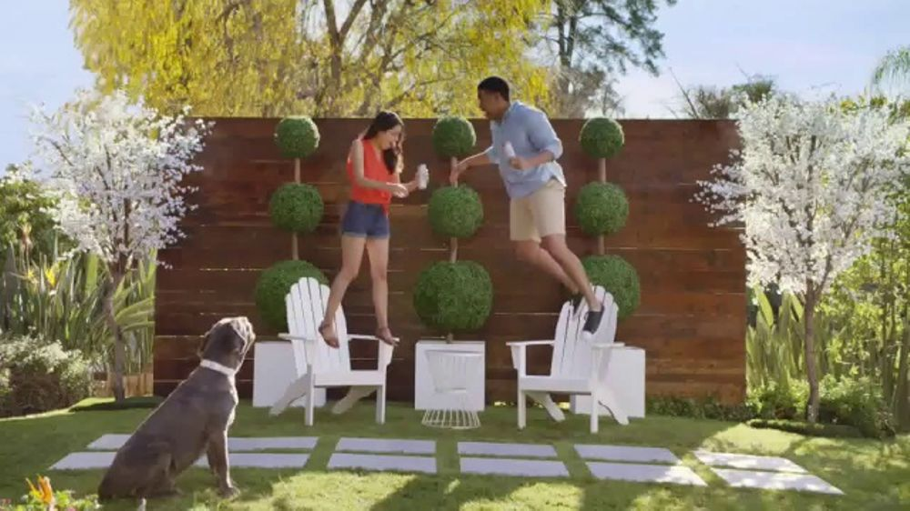 Henry's Hard Sparkling Water TV Commercial, 'Air Five'