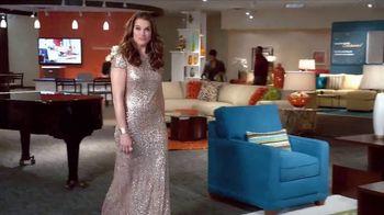 La-Z-Boy Grand Opening Event TV Spot, 'Grand' Feat. Brooke Shields - Thumbnail 3