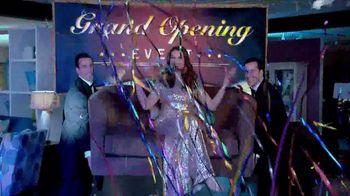 La-Z-Boy Grand Opening Event TV Spot, 'Grand' Feat. Brooke Shields - Thumbnail 8