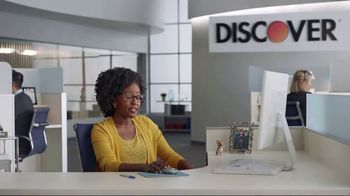 Discover Card Social Security Number Alerts TV Spot, 'Dog Kiss' - Thumbnail 5