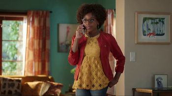 Discover Card Social Security Number Alerts TV Spot, 'Dog Kiss' - Thumbnail 6