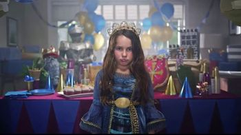 Frigidaire Blowout Sale TV Spot, 'Sarah's Birthday: 40% Off' - Thumbnail 4