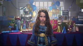 Frigidaire Blowout Sale TV Spot, 'Sarah's Birthday: 40 Percent Off' - Thumbnail 4