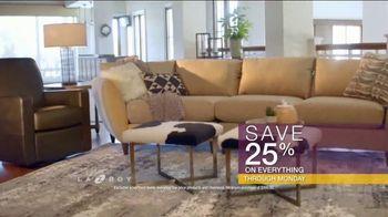 La-Z-Boy Flash Sale TV Spot, 'Cozy to Spacious' - Thumbnail 7