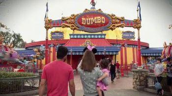 Walt Disney World TV Spot, 'Momentos mágicos' con José Altuvé [Spanish] - Thumbnail 1