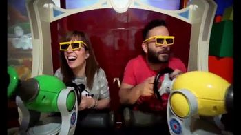 Walt Disney World TV Spot, 'Momentos mágicos' con José Altuvé [Spanish] - Thumbnail 5