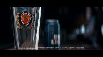 Miller Lite TV Spot, 'Servir' [Spanish] - Thumbnail 1