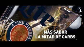 Miller Lite TV Spot, 'Servir' [Spanish] - Thumbnail 7