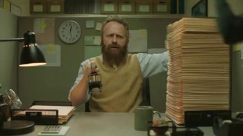 GolfNow.com VIP TV Spot, 'Workaholic Can't Leave Desk' - Thumbnail 2