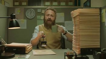 GolfNow.com VIP TV Spot, 'Workaholic Can't Leave Desk' - Thumbnail 6
