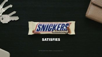 Snickers Almond TV Spot, 'Quinceñera' - Thumbnail 9