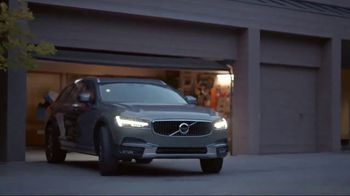 2018 Volvo V90 Cross Country TV Spot, 'Conference Call' [T1] - Thumbnail 7