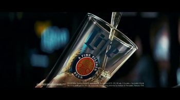 Miller Lite TV Spot, 'Pour Over' - Thumbnail 3