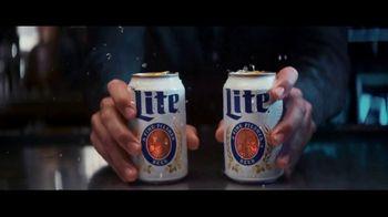 Miller Lite TV Spot, 'Entrega' [Spanish]