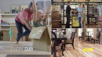 Lumber Liquidators End of Quarter Clearance TV Spot, 'Style, Beauty, Value' - Thumbnail 6