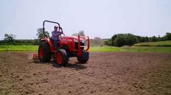 Kubota Bring on Spring Event TV Spot, 'L2501 HST Tractors' - Thumbnail 4