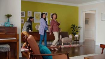 HGTV HOME by Sherwin-Williams TV Spot, 'Color Compliment: Mom' - Thumbnail 3