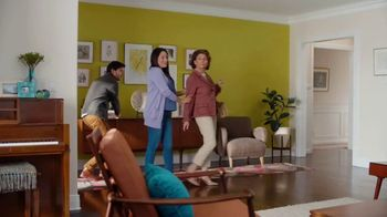 Sherwin-Williams HGTV Home Collection TV Spot, 'Color Compliment: Mom' - Thumbnail 3