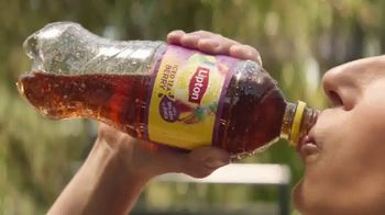 Lipton Iced Tea With a Splash of Juice Berry TV Spot, 'Truly Refreshing' - Thumbnail 8