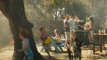 Lipton Iced Tea With a Splash of Juice Berry TV Spot, 'Truly Refreshing' - Thumbnail 9