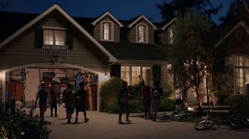 Coldwell Banker TV Spot, 'Hoops' - Thumbnail 10
