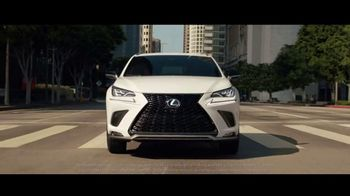 Lexus NX TV Spot, 'La vida es un Cross-Over' [Spanish]