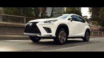 Lexus NX TV Spot, 'La vida es un cross-over' [Spanish] [T1] - Thumbnail 6