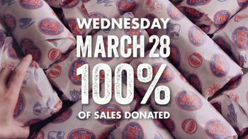 Jersey Mike's TV Spot, '2018 Annual Day of Giving: Giant' - Thumbnail 7