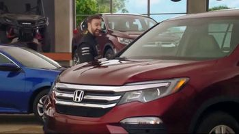 Honda Dream Garage Spring Event TV Spot, 'Get the Lights' [T2] - Thumbnail 6
