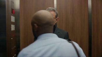 Apartments.com TV Spot, 'Upwardly Immobile' Featuring Jeff Goldblum - Thumbnail 3