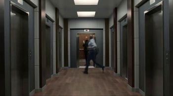 Apartments.com TV Spot, 'Upwardly Immobile' Featuring Jeff Goldblum - Thumbnail 4