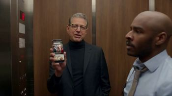 Apartments.com TV Spot, 'Upwardly Immobile' Featuring Jeff Goldblum - Thumbnail 5